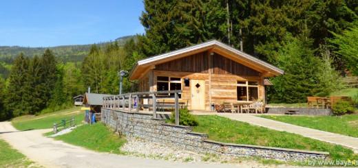 ferienhütten-mieten-bayerischer-wald-blockhaus-holzferienhaus