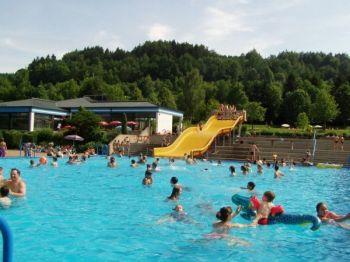 ferienpark-feriendorf-falkenstein-cham-regensburg-ferienhaus