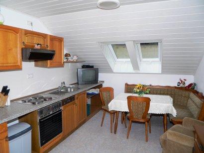 ferienwohnung-bohmann-kochen-essen-unterkunft-wald-bayerischer