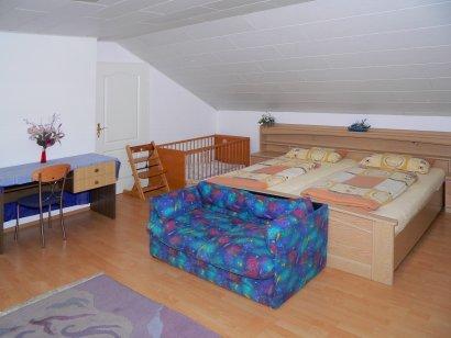 ferienwohnung-bohmann-schlafzimmer-fuchshoelzl-ferienwohnung-rossbach