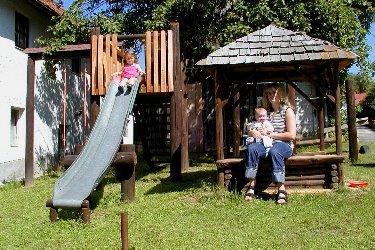 Kinder Spielplatz vor der Ferienwohnung Cham