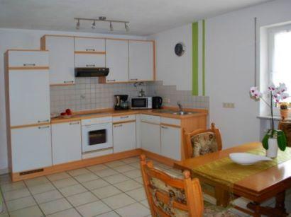 Unterkunft mit Küche und Mikrowelle zum kochen