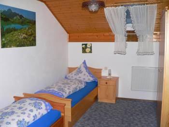 ferienwohnung-roding-fleischmann-schlafzimmer