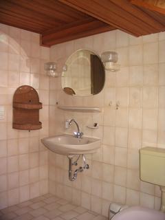 ferienwohnung-stamsried-appartement-badezimmer