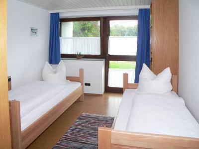 ferienwohnung-zeintl-ferienwohnung-etagenbett-schlaf-zimmer