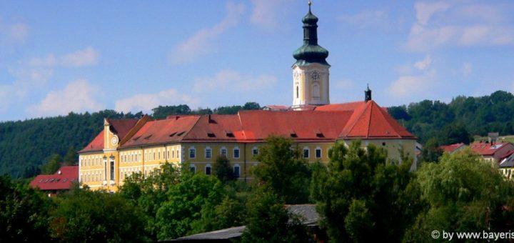 Ausflugsziele in Walderbach Sehenswürdigkeiten Kloster Kirche