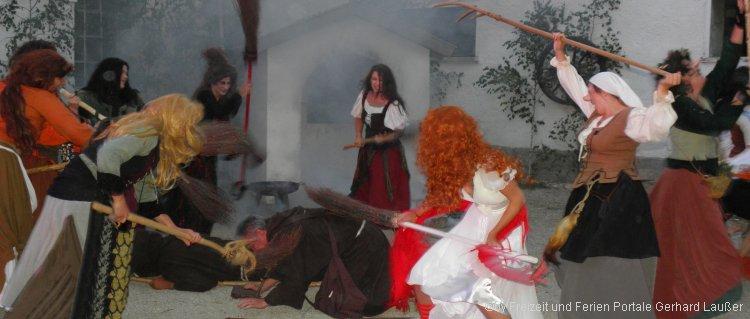 Geisterwanderung in Nittenau Festspiele Komödie mit Hexen