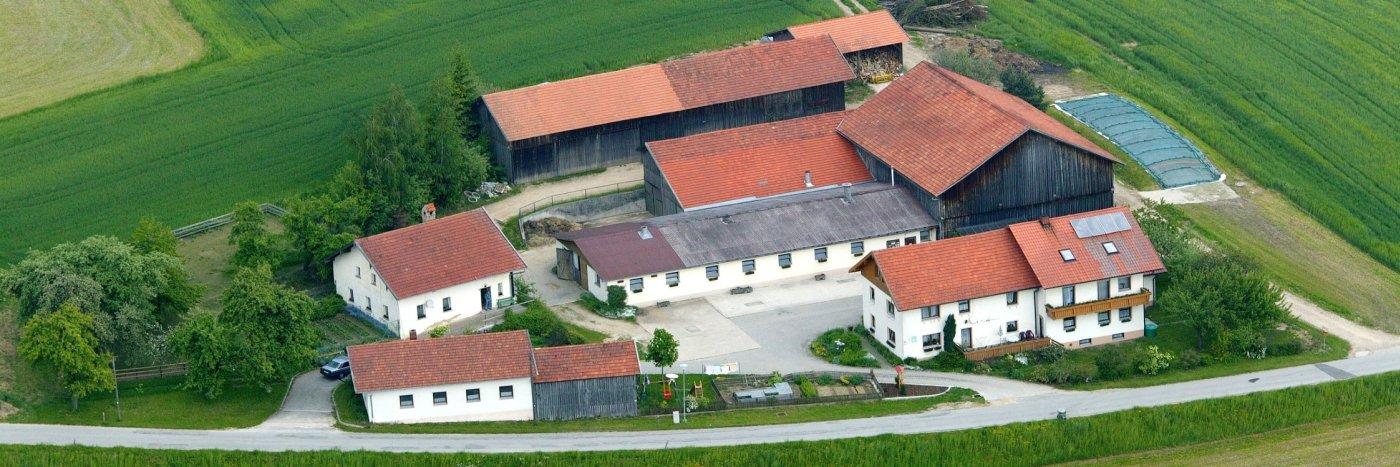 Luftbild vom Bauernhof Fischerhof in Weiding Ferienhof Fischer in Gschieß