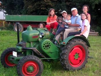 Ferienhof Fischer Oberpfalz-erlebnisurlaub-familien-traktor-fahren