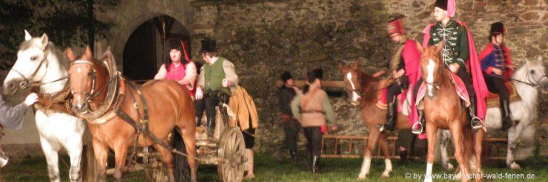 freilichtspiel-waldmuenchen-trenk-der-pandur-pferde-kutsche