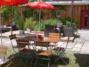 frongahof-biergarten-lounge-gasthof-bauernhof-waldkirchen