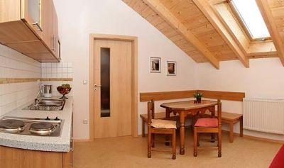 frongahof-boehmzwiesel-dachferienwohnung-kueche