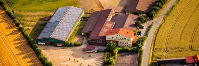 Reiturlaub mit Reitabzeichen am Fuchsenhof Luftbild Ansicht