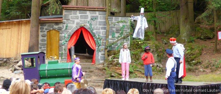Kinder Theater auf der Waldbühne in Furth im Wald - Jim Knopf und Lukas der Lokomotivführer