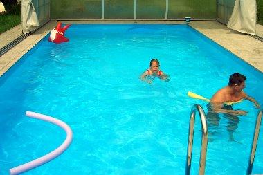 Wellness Massagen Pool Sauna Solarium