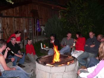 Hütte für Gruppen, Vereine, Familien, Kollegen - Bild ID: berghütte-geselligkeit-grillen-lagerfeuer-bayern