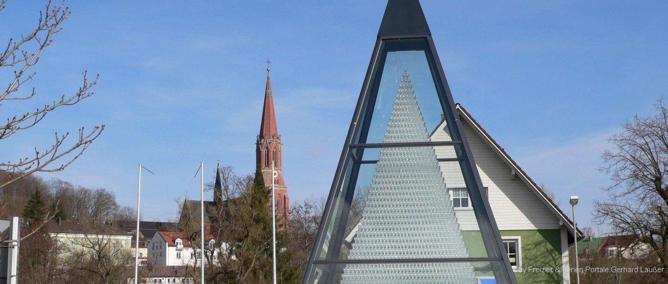 gruppenausflugsziele-zwiesel-bayerischer-wald-kristallglaspyramide-1300