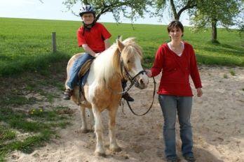 Ponyreiten rund um unseren Bauernhof im Bayerischen Wald