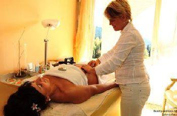 gut-feuerschwendt-hotel-neukirchen-wellnessurlaub-massagen