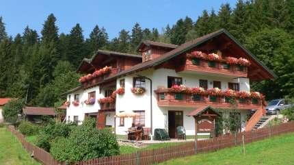 Pension im Skigebiet Bayerischer Wald im Winterurlaub