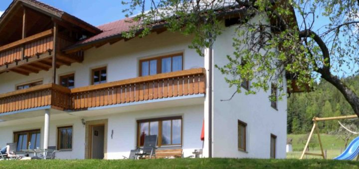 hamberger-gruppenferienhaus-wandergebiet-bayerischer-wald