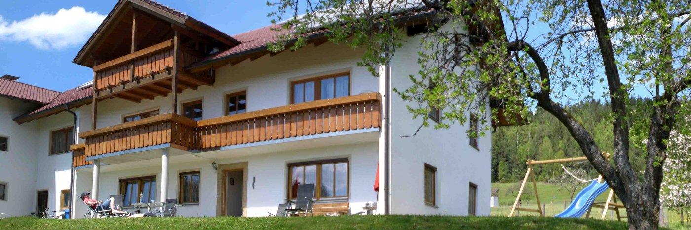 Bayerischer Wald Ferienwohnung mit Badewanne Ferienhaus mit Holzofen in Bayern