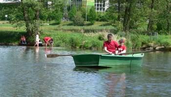 Erholen, Angeln, Boot fahren am Fluss Regen im Bayerischen Wald