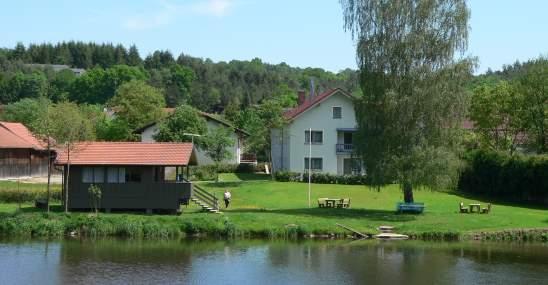 Ferienwohnungen am Fluss Angeln am Fluß in Bayern in Deutschland