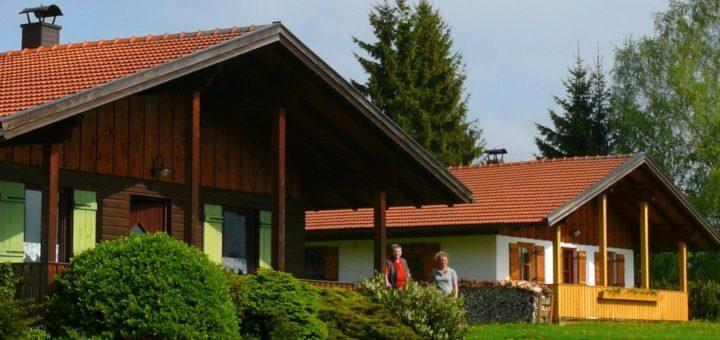 hirschhof-holzhaus-bayerischer-wald-ferienbungalows