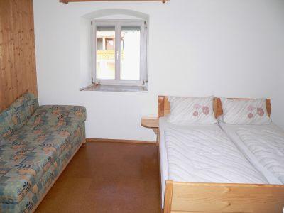 holmerhof-ferienwohnungen-kinder-zimmer-mithilfe-am-hof