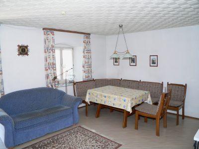holmerhof-ferienwohnungen-wiesenfelden-wohnzimmer