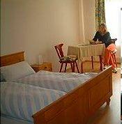 Die Zimmer sind komfortabel und gemütlich eingerichtet, TV im Zimmer ist möglich