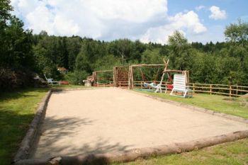 hp-touristik-ferienpark-falkenstein-kinderspielplatz