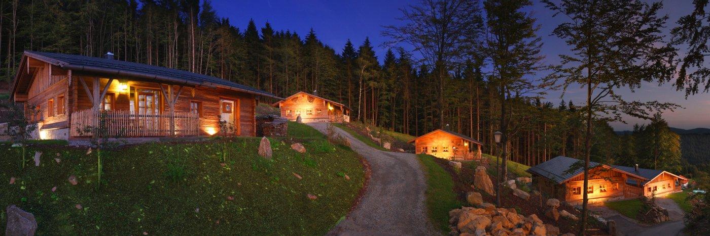 bergchalets sterreich bergdorf in deutschland berg chalets im h ttenhof grainet. Black Bedroom Furniture Sets. Home Design Ideas