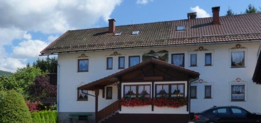 jungwirt-gästehaus-bayerischer-wald-pension-aussenansicht