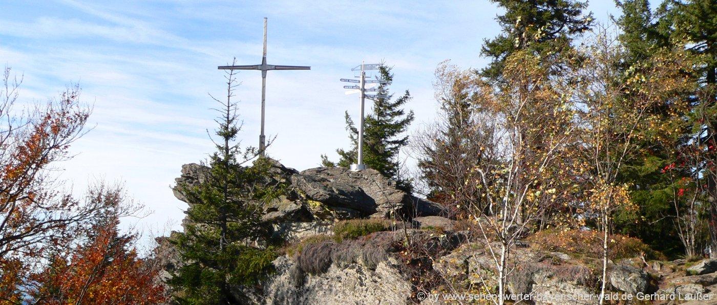 Bayerischer Wald Wandern Packliste für Tagestour und Mehrtagestour