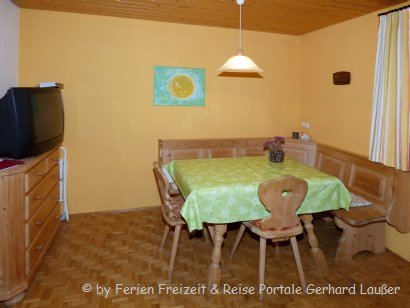 kerscher-bauernhofurlaub-ferienwohnung-2-esszimmer-410