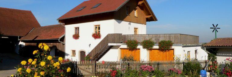 kerscher-kinder-familienurlaub-bayern-wellnessbauernhof