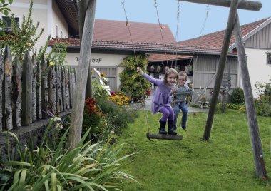 Bauernhof für Familien Landkreis Regen in Niederbayern Kinder Spielplatz
