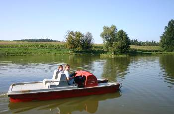 kollerhof-reiterhof-abenteuer-reiterferien-bayern-boot-fahren