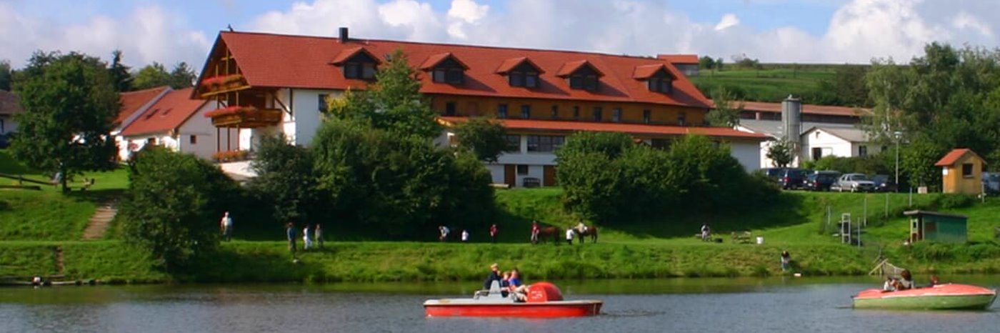 kollerhof-reiterhof-oberpfalz-reiterferien-schwandorf-reitschule-see