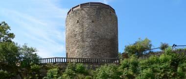 kollnburg-burgruine-aussichtsturm-bayerischer-wald-bayern-panor