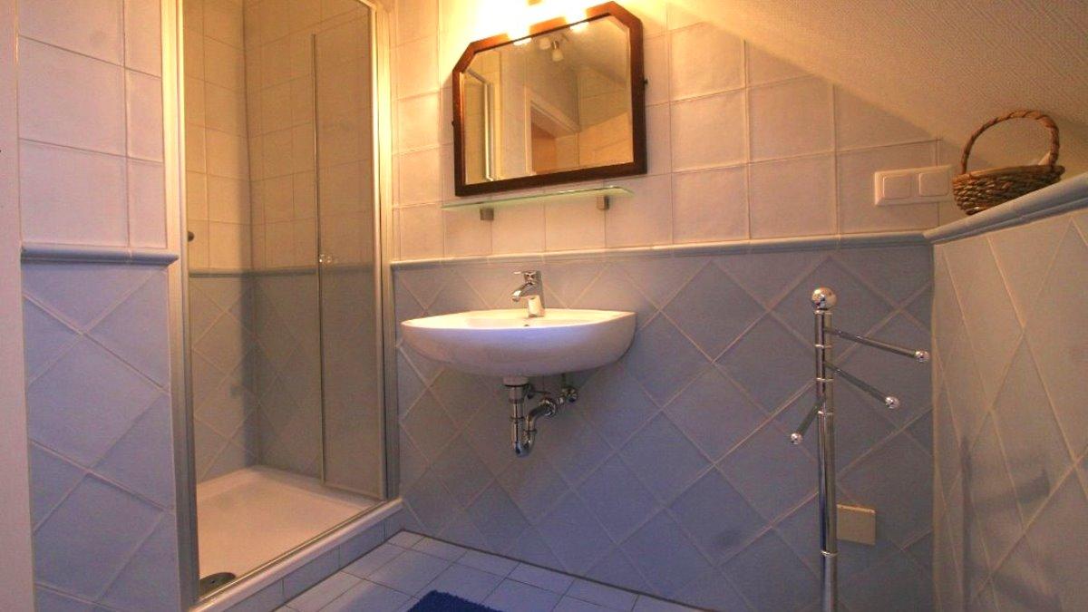 kopp-untermurnthal-ferienhaus-neunburg-badezimmer