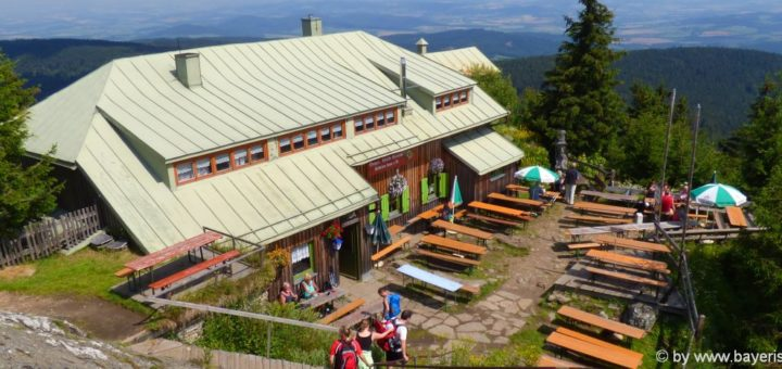 lam-grosser-osser-berggasthof-ausflugsziel-bayerischer-wald