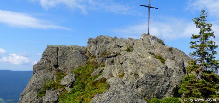 lam-osser-berggipfel-bayerischer-wald-wanderung