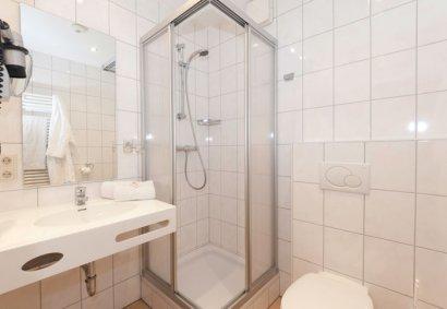 linde-gasthof-hotelzimmer-badezimmer-gaestehaus-410