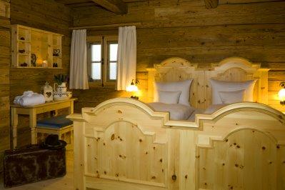 luxuschalet-2-personen-schlafzimmer-ferienchalets-bayerischer-w