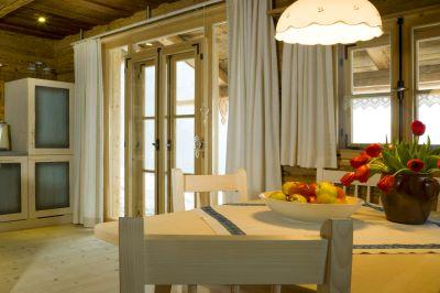 luxuschalet-4-personen-bergchalet-bayern-wohnbereich