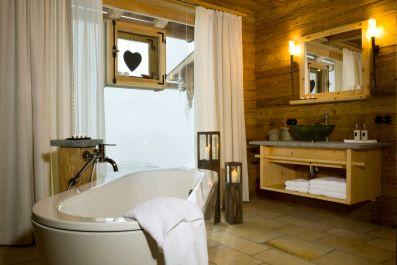 luxuschalet-in-den-bergen-badewanne