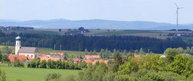 michelsneukirchen-ortschaft-landschaft-windrad-panorama-380